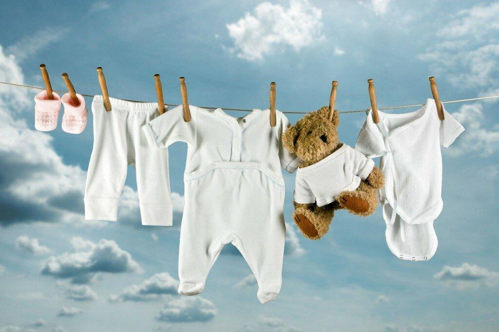 Готовим детские вещи к рождению малыша: стирка, глажка, хранение