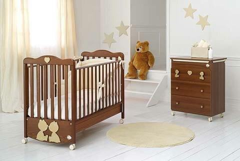 Куда лучше поставить детскую кроватку?