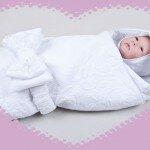 Во что одеть малыша на выписку из роддома весной